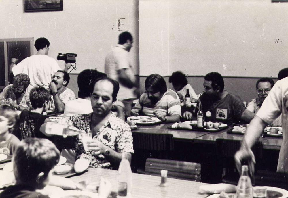 treballadors a la tancada amb els seus fills